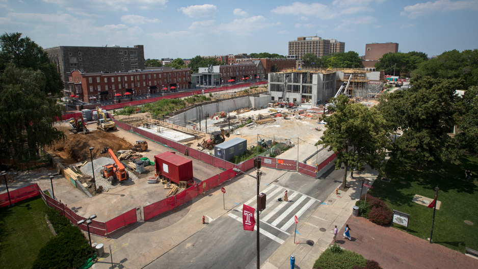 An overview of the construction site of Temple's new library.