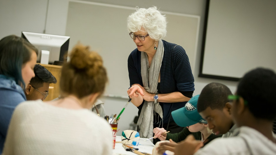 Associate Professor Lisa Kay teaching a class.