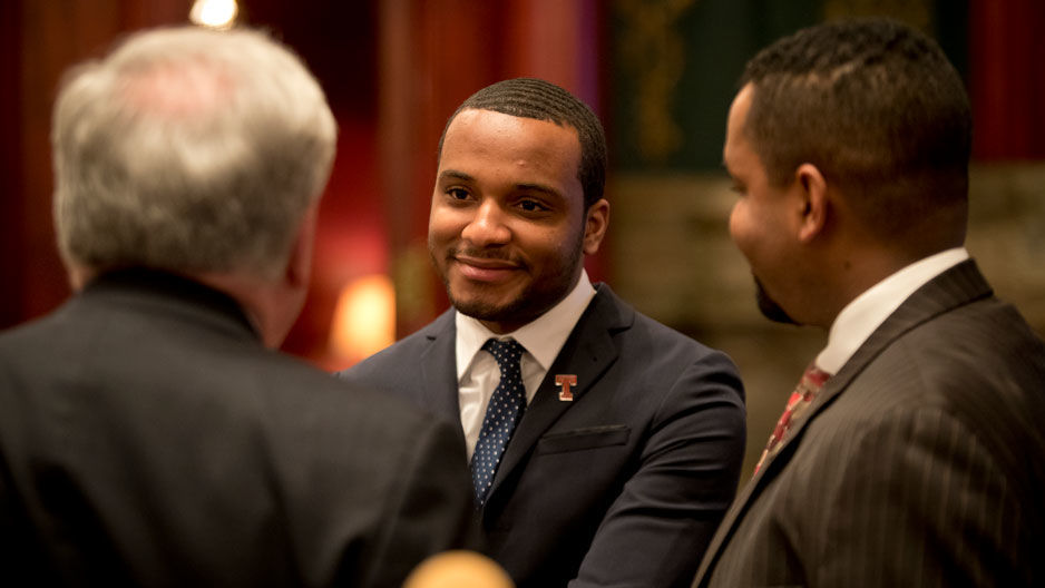 Hazim Hardeman talking with state legislators
