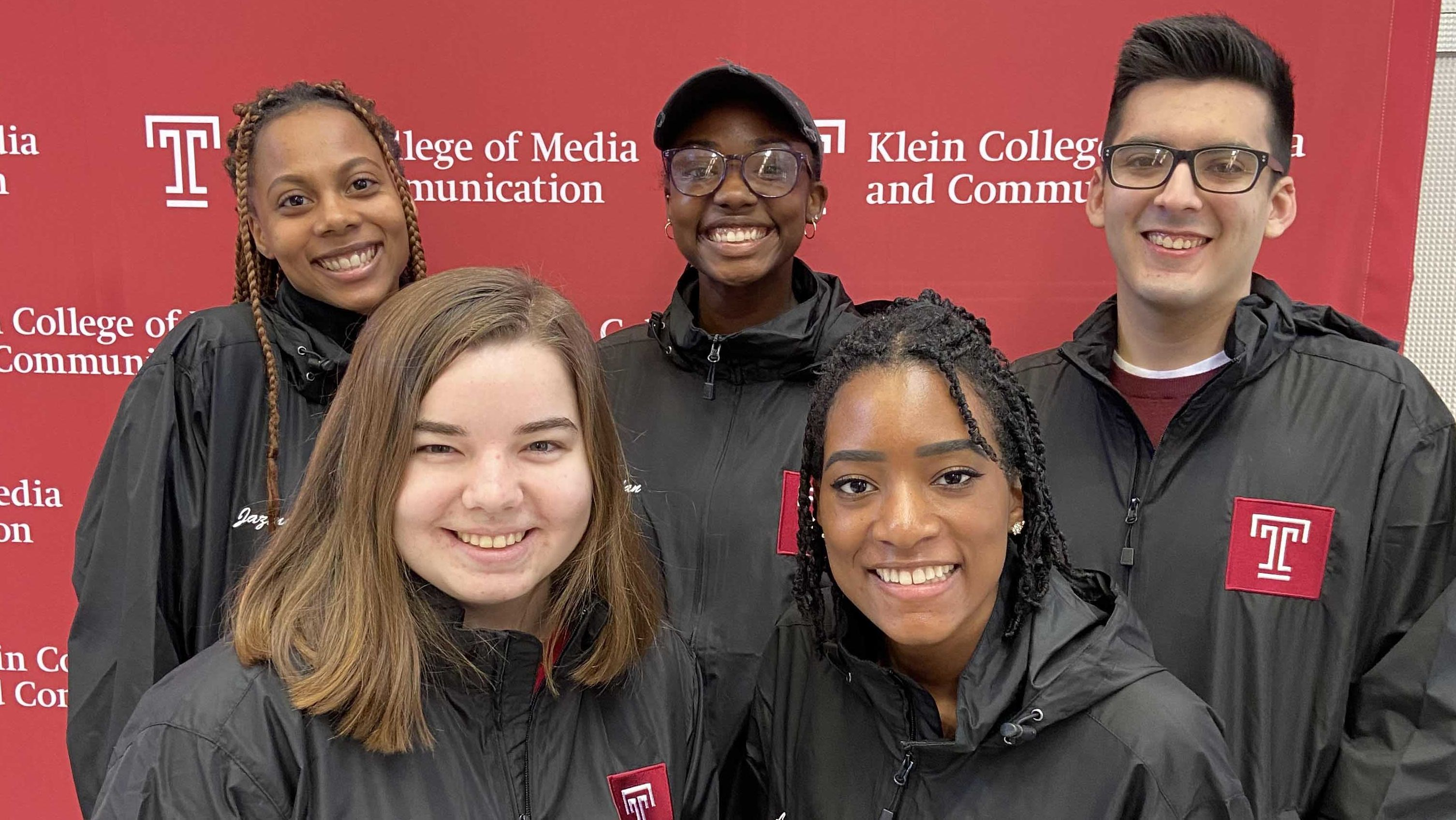Five Klein students promote their #10minutesfor10years Census awareness campaign