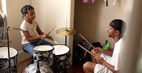 """Christopher """"Quest"""" Rainey teaches drums"""